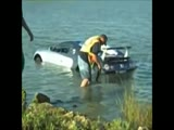 Buggati Veyron crashes into lake